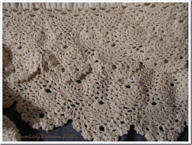 12-08-bedskirt2