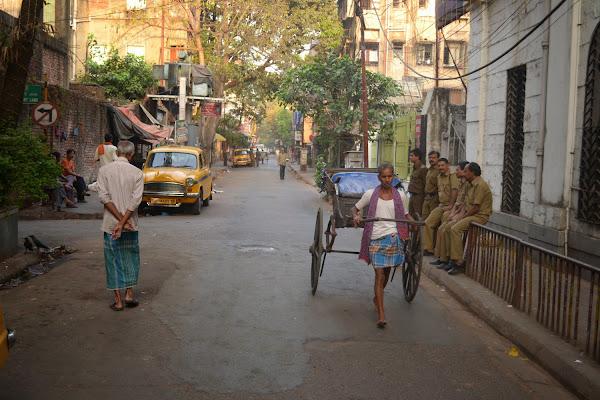 калькутта рикша полиция