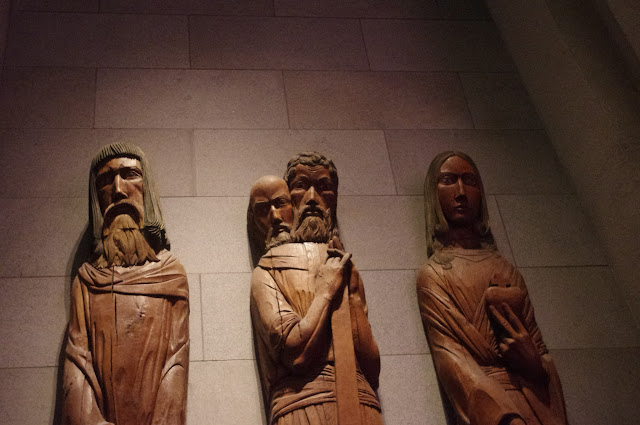 These wooden statues were giving me a nasty look...