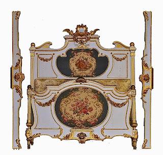 Красивая антикварная кровать ок.1880 г. Белый лак, позолота, гобелен. 210/155 см. 9000 евро.