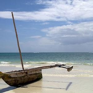 z-Diani Canoe-pixo.jpg