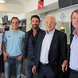 Le cinq de devant : Dewald Senekal, Nicolas Lorlaes, Vincent Etcheto le trio d'entraineurs, Christian Devèze et Francis Salagoity
