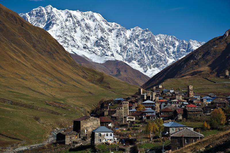 Ushguli, unul din cele mai inalte sate din Europa.
