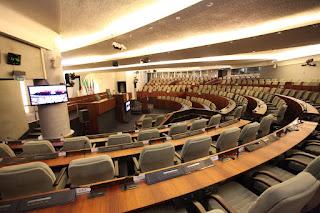 Les députés auraient-ils subit des «pressions» pour adopter la révision de la constitution ?