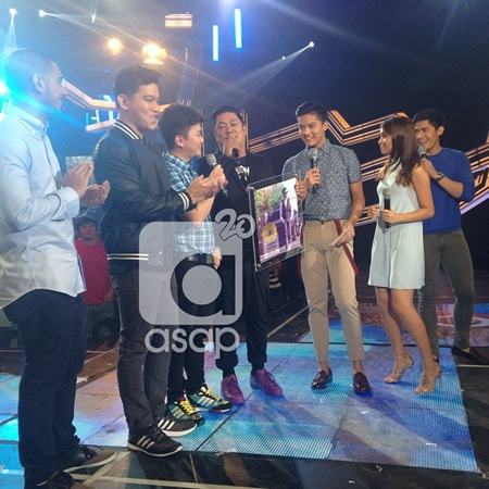 Daniel Padilla receives gold record award for I Feel Good album