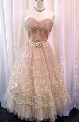wedding dress 1950s Blush