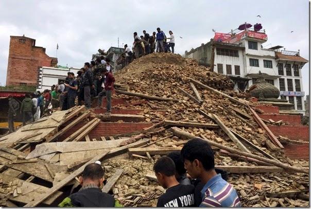 885x592-terremoto-nepal-20150425101633