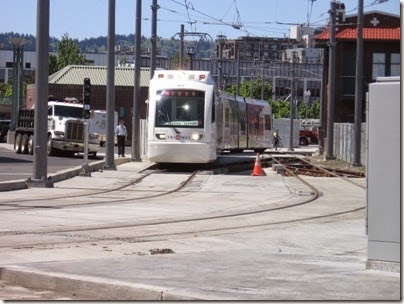 IMG_6061 TriMet MAX Type 4 Siemens S70 LRV #407 at Union Station in Portland, Oregon on May 9, 2009