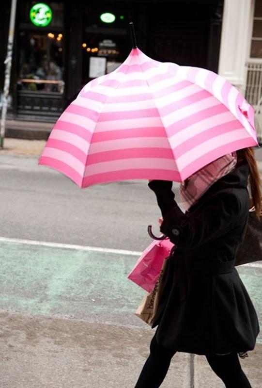 guarda-chuvas-listrado-rosa