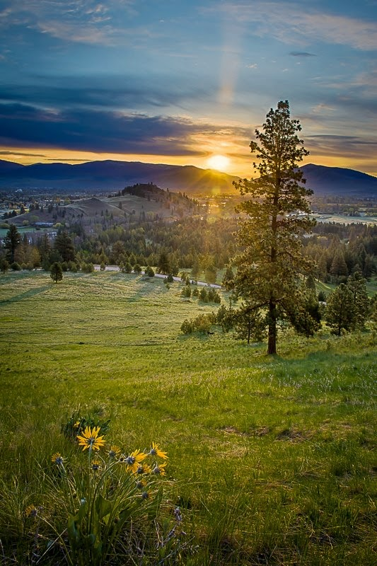 Missoula Sunrise. ©Mark Mesenko www.mesenko.com