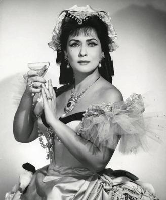 IN REVIEW: Romanian soprano VIRGINIA ZEANI as Violetta in Giuseppe Verdi's LA TRAVIATA at the Metropolitan Opera in 1966 [Photo by Louis Mélançon, © by The Metropolitan Opera]