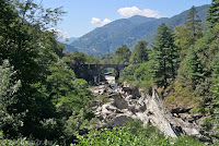 Aus dem Sacktal Valle Maggia zurück nach Locarno. Der Fiume Maggia.