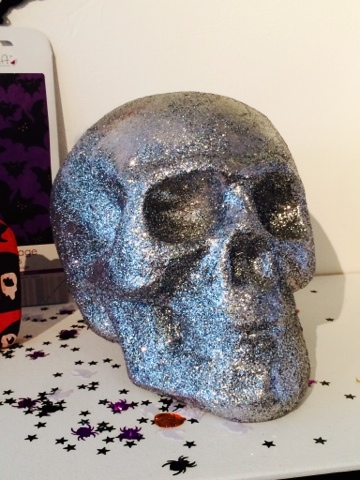 Halloween Craft - Glitter Skull decoration - Little House Lovely - Hobbycraft