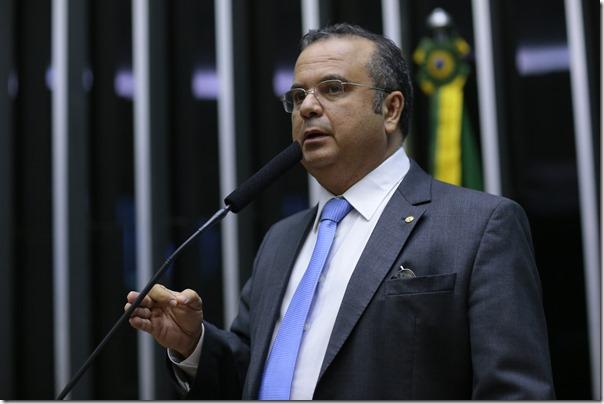 Rogério discursa no plenário da Câmara