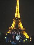 Der Eiffelturm nachts
