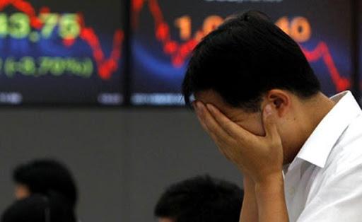 World stock markets plunge: Shanghai down 8.5%