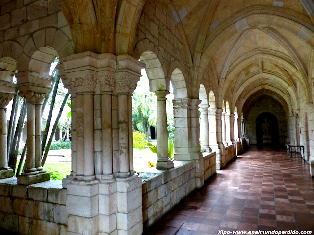 claustro-monasterio-español-miami.JPG