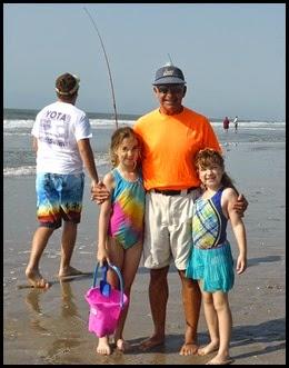 04f - beach - Grandpop and the girls