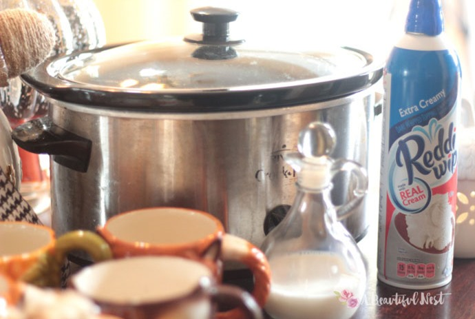 DIY-Hot-Cocoa-Bar-CrockPot