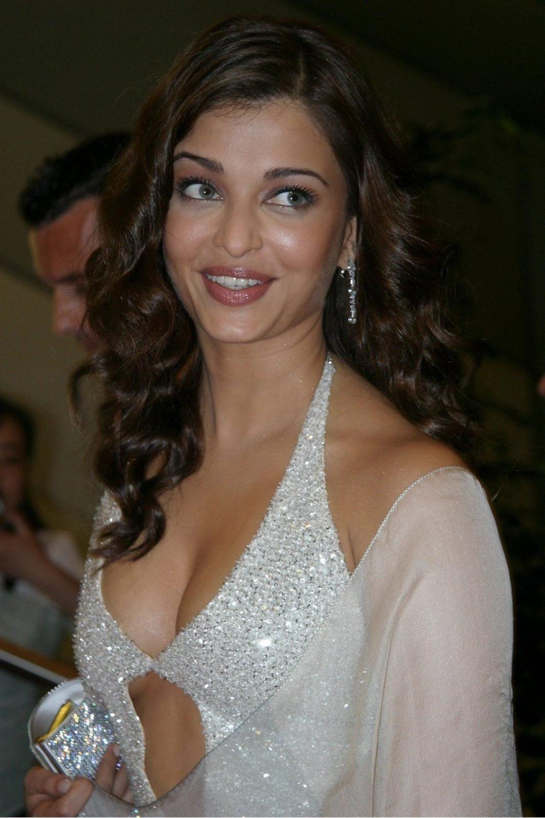 Vineeta's blog: wedding rose. Centrepiece 1. Price: S 25 ...