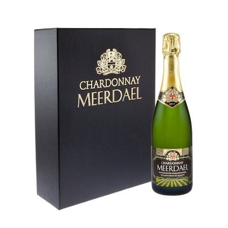 Geschenkverpakking Chardonnay Meerdael (1 fles + 2 glazen)