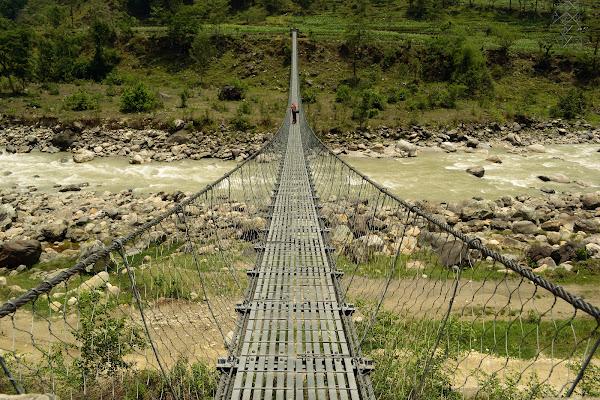 подвесной мост непал река