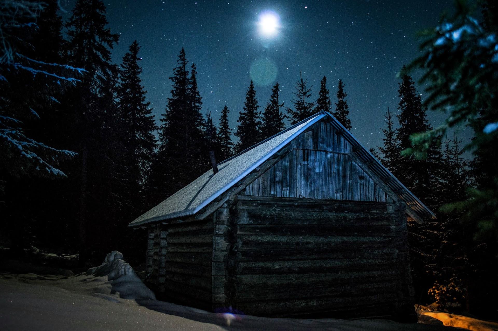 Будиночок Під Яйком на світанку Західні Горгани