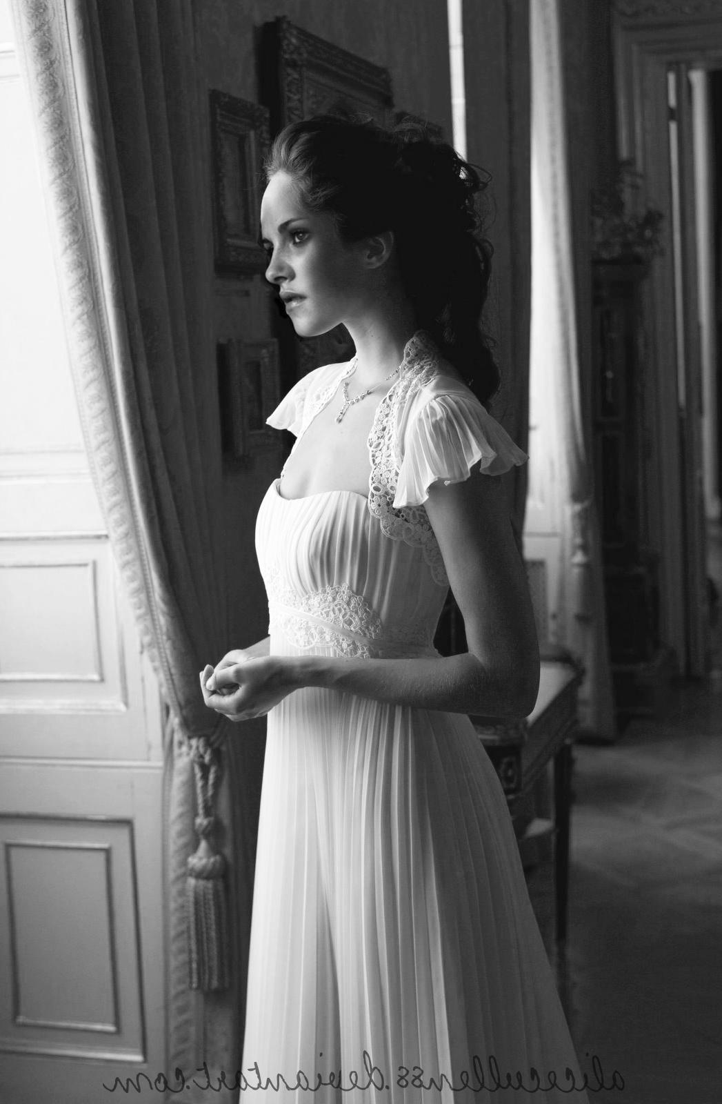 bella swan wedding dress manip by alicecullen88   414.01 KB   Rating: 75