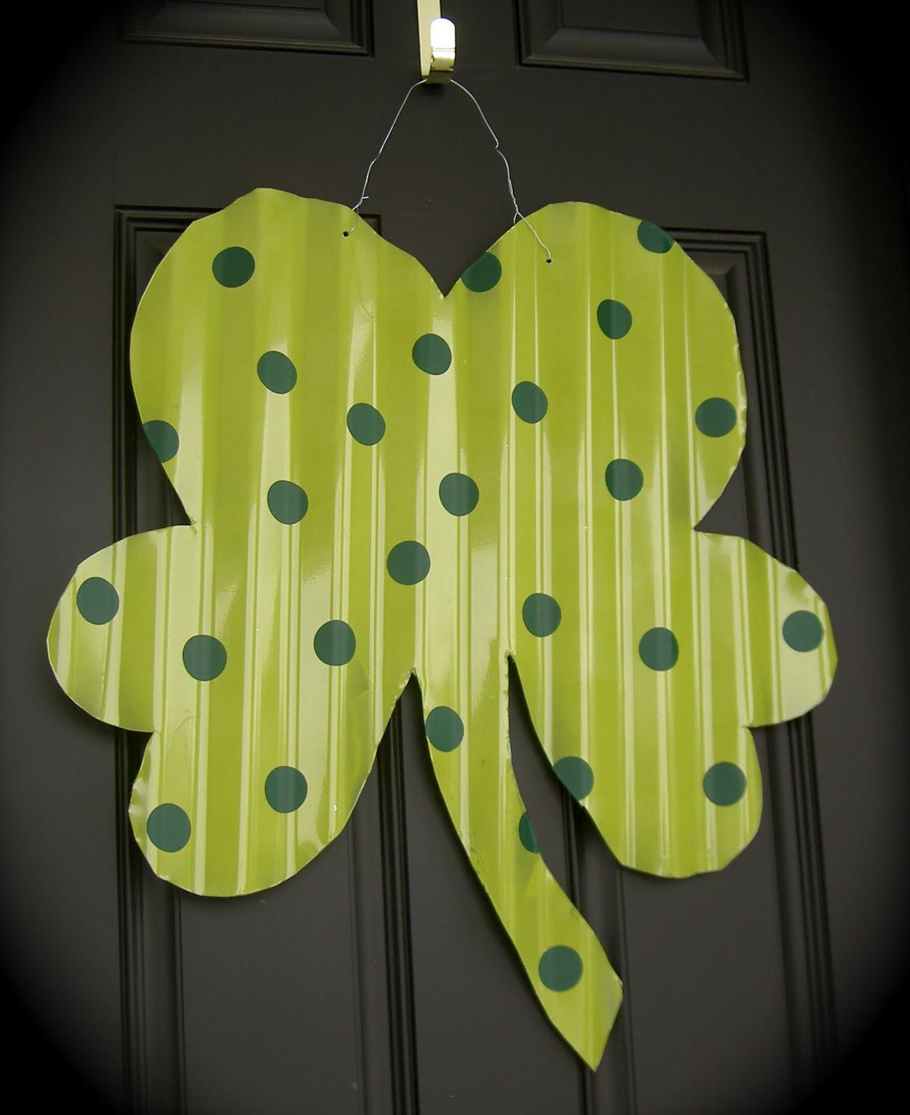 2: Shamrock Door Hanger
