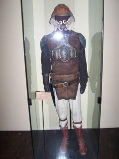2006.08.16-033 déguisement de garde