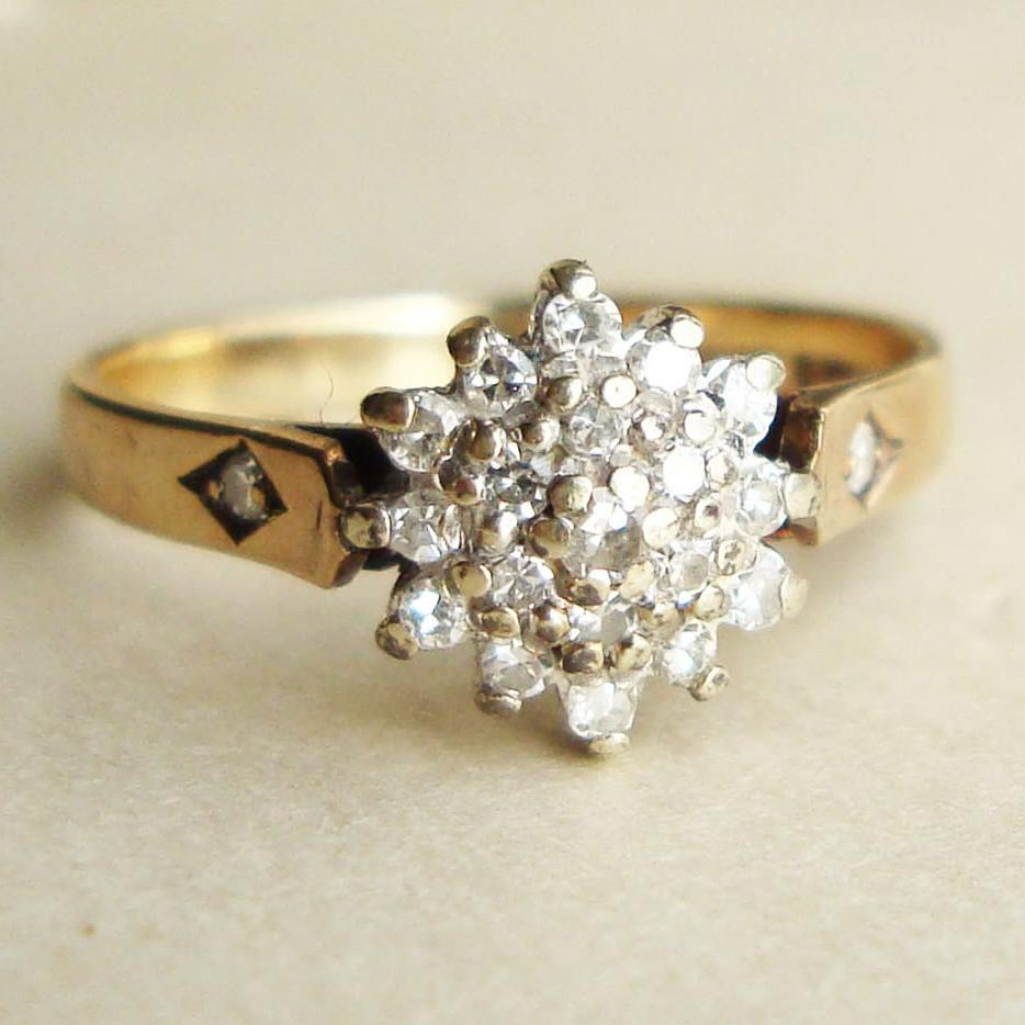 Vintage 9k Gold Diamond Ring,