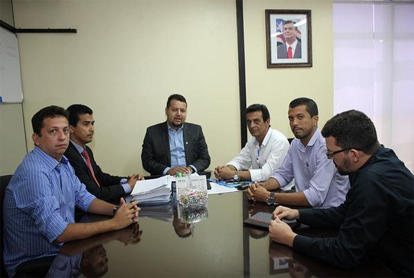 Foto 1 - Sinfra e prefeito de Açailândia definem ações do programa Mais Asfalto