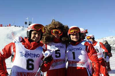 Фелипе Масса и Фернандо Алонсо вместе с Джанкарло Физикеллой на снежных склонах Wrooom 2012