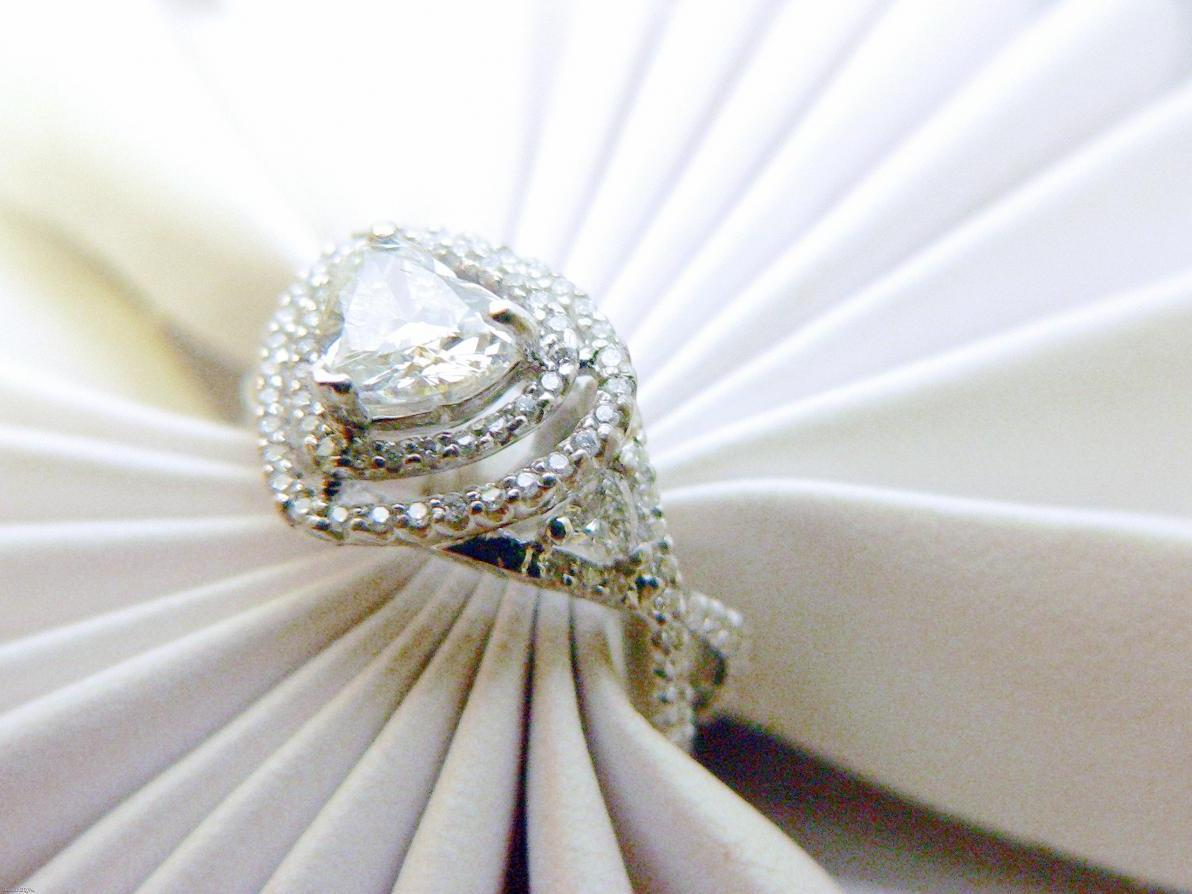 Heart Shape Diamond Rings. While there are many unique engagement ring
