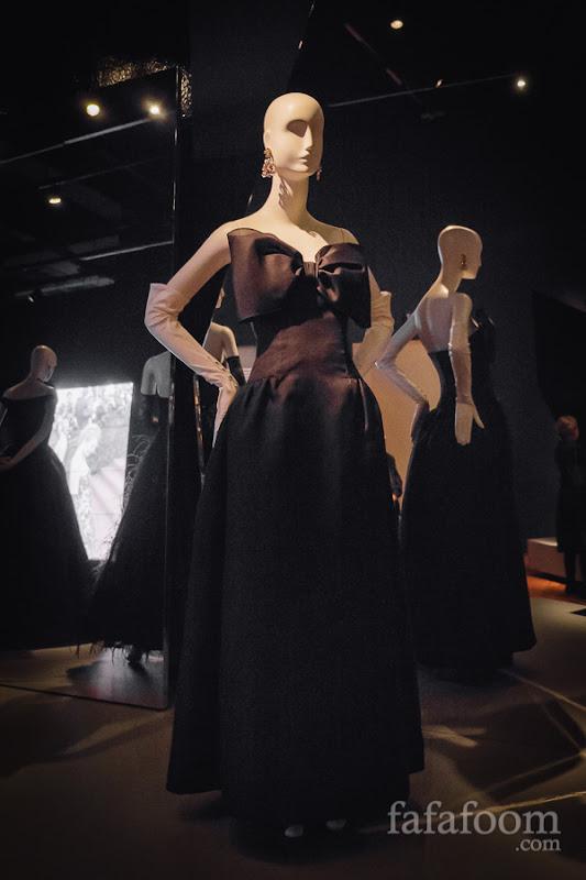 Oscar de la Renta, Evening dress, ca. 1980.