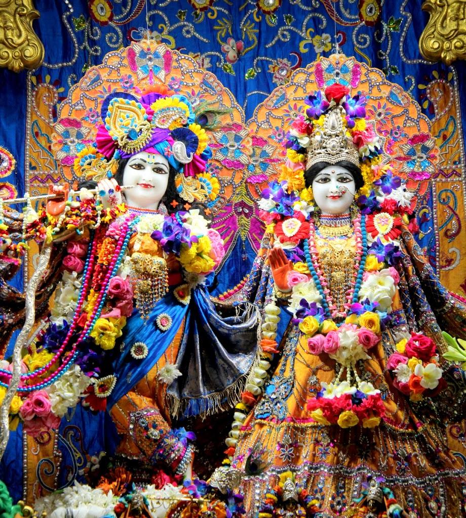 ISKCON Juhu Sringar Deity Darshan 14 Jan 2016 (3)