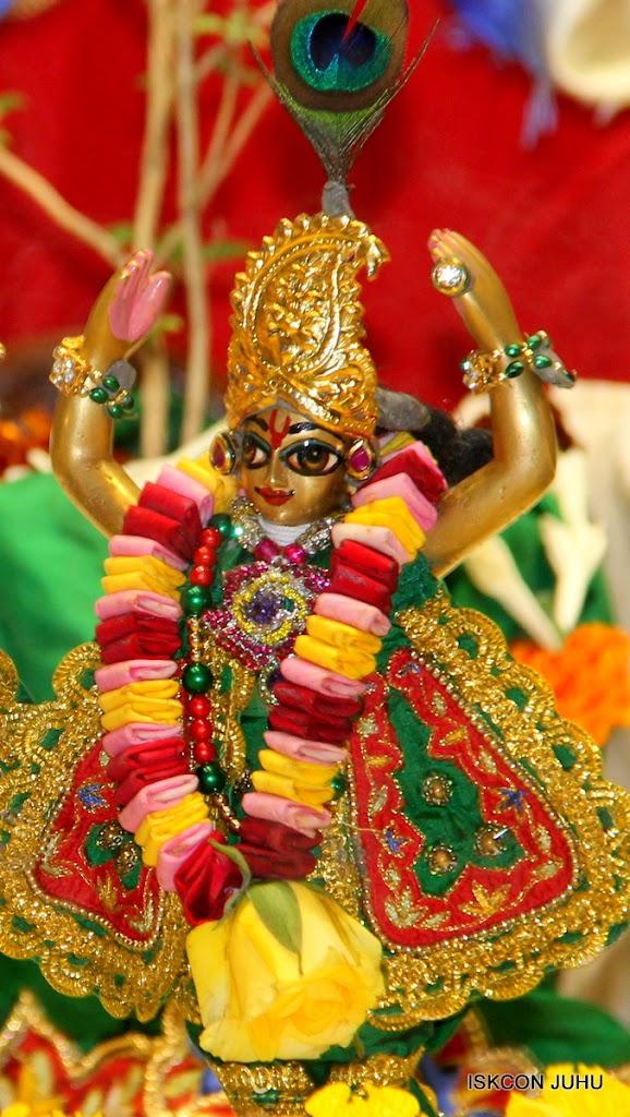 ISKCON Juhu Sringar Deity Darshan 09 Feb 16 (49)