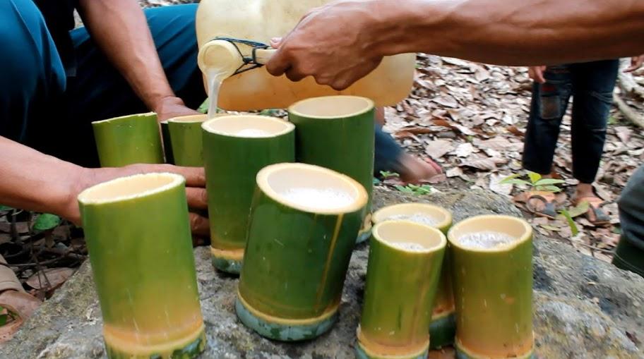 gelas bambu acara tradisi mattammu buah