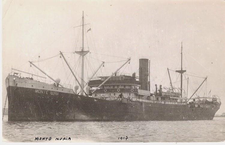 Excelente foto del vapor MONTE NURIA. Lugar y fecha indeterminados. Colección Jaume Cifre Sanchez. Nuestro agradecimiento.jpg
