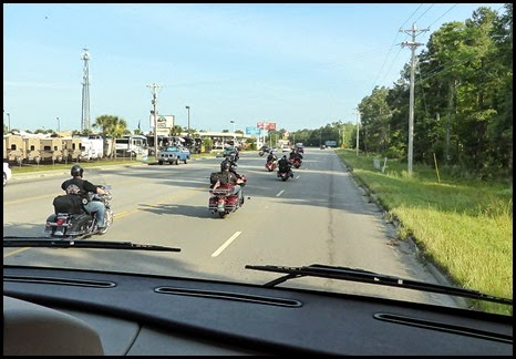 01 - Leaving Ocean Lakes with some of the bikers