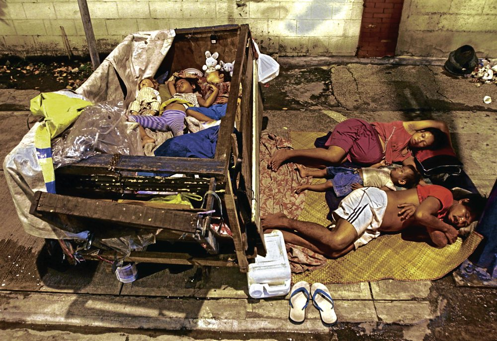 Image of Filipino Street Dwellers [Mga Pulubi at Yagit] To Take Vacation During APEC Summit