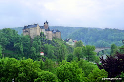O dva roky později se sem Eliška uchýlila znovu se synem Václavem (Karlem IV.), který tu byl na rozkaz svého otce po dva měsíce uvězněn. V roce 1337 získal Loket práva královského města.