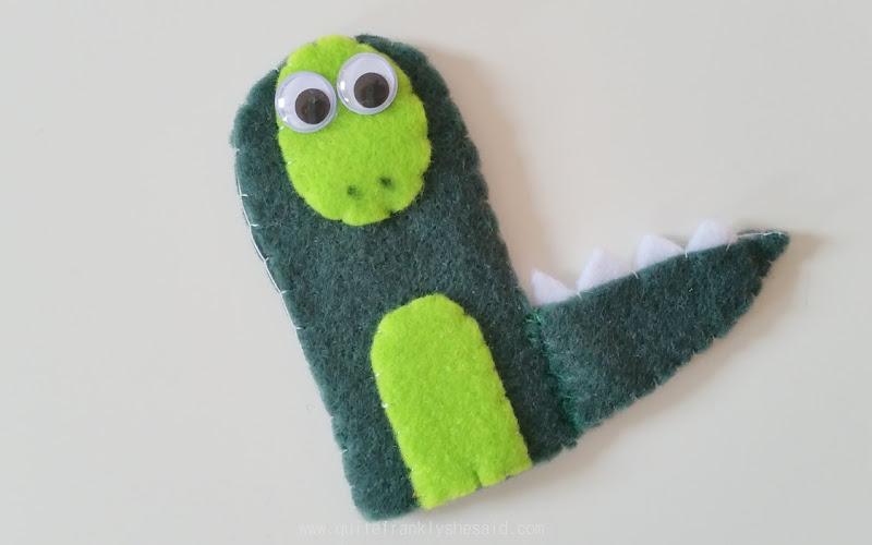 finger puppet dinosaur