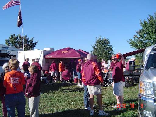 Clubhouse Tailgate