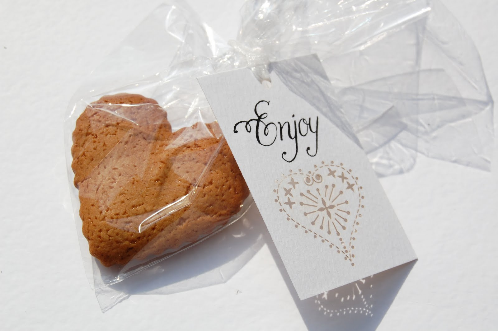 flower decorations for wedding favour tags