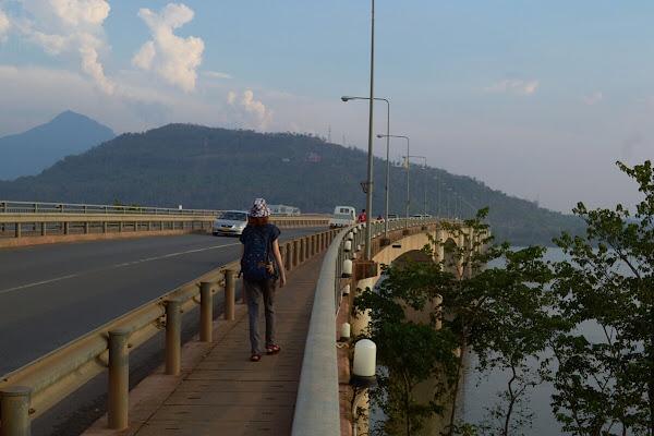 Мост через Меконг в Паксе.