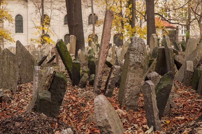old-jewish-cemetery-3