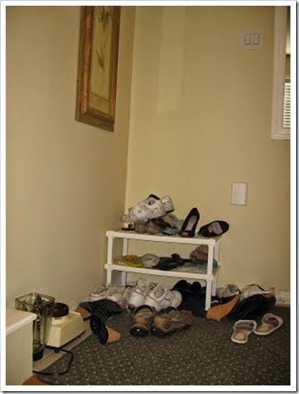 Shoe cabinet 1