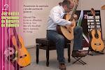Presentación de materiales y prueba acústica de guitarras, a cargo de Rubén Ruben Parejo: Editorial Piles, Guitarras Alhambra, Guitarras Vico, Marcello Masellani, Martín Guitarras y RC Strings.