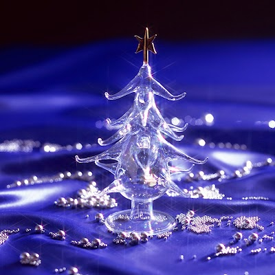 Crystal-Christmas-Tree-wallpapers.jpeg
